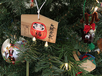 Christmas ornaments kindle life story memories.